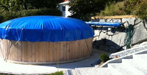 aufblasbare schwimmbad abdeckung winterabdeckung aufblasbar surfers island. Black Bedroom Furniture Sets. Home Design Ideas